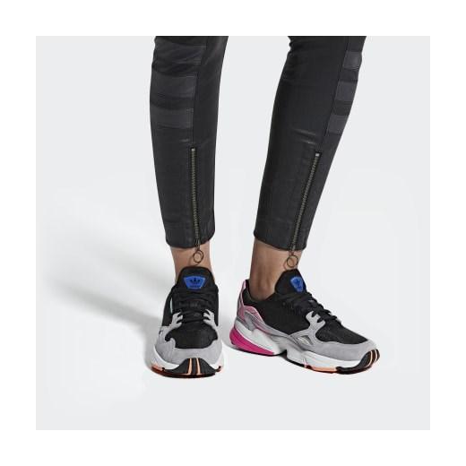 Buty sportowe damskie Adidas do biegania zamszowe