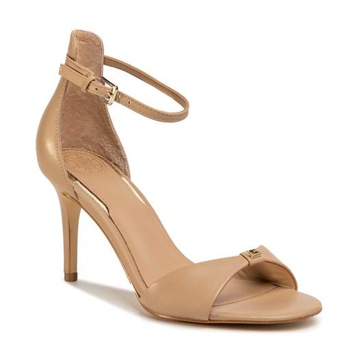 Sandały damskie Guess ze skóry ekologicznej bez wzorów na wysokim obcasie