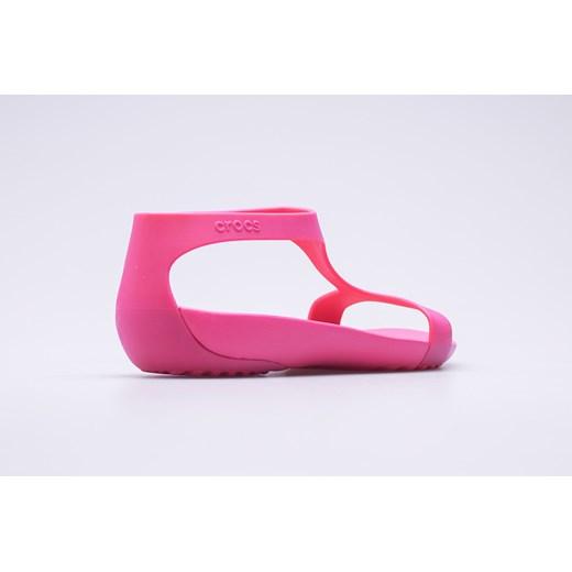 Sandały damskie Crocs z gumy płaskie bez wzorów w Domodi