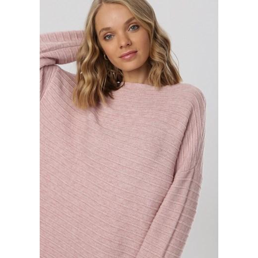 Różowy sweter damski Born2be z okrągłym dekoltem Odzież Damska KG różowy AYHL