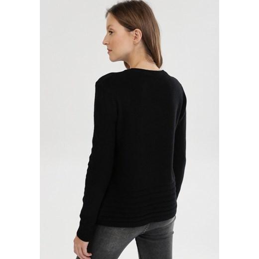 Sweter damski Born2be bez wzorów czarny z okrągłym dekoltem Odzież Damska NU czarny ATXD