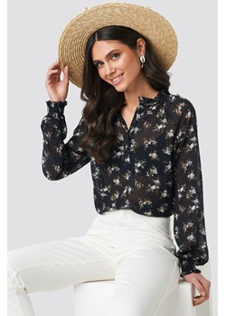 NA-KD Boho Shirred Cuff Frill Neck Top - Black