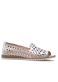 Złote sandały damskie venezia bez obcasa, wiosna 2020 w Domodi