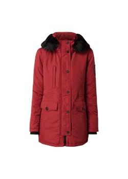 Czerwone kurtki damskie superdry, wiosna 2020 w Domodi