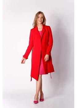 Czerwone płaszcze damskie, jesień 2020 w Domodi