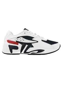 Białe buty męskie fila w wyprzedaży, wiosna 2020 w Domodi