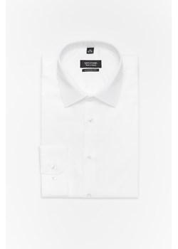 Elegancka biała koszula męska taliowana (SLIM FIT), mankiety  WUZyU