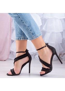 Sandały na szpilce bez obcasa, wiosna 2020 w Domodi