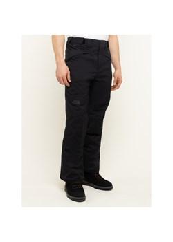 Spodnie męskie The North Face gładkie czarne w Domodi