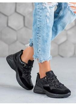 Buty sportowe damskie muto, zima 2020 w Domodi
