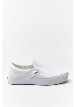 Białe buty vans, wiosna 2020 w Domodi