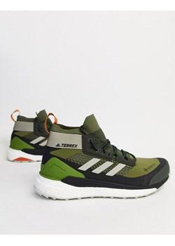 Zielone buty sportowe m?skie adidas terrex, wiosna 2020 w Domodi