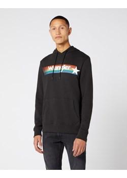 Czarna bluza męska Wrangler w stylu młodzieżowym