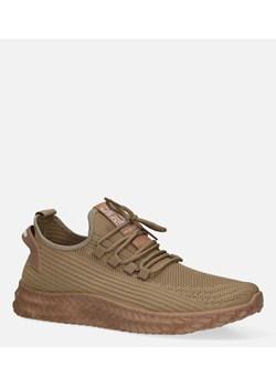 Brązowe buty męskie, wiosna 2020 w Domodi