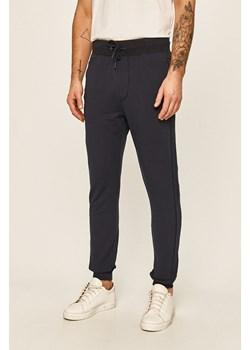 Spodnie męskie Guess Jeans Los Angeles answear com