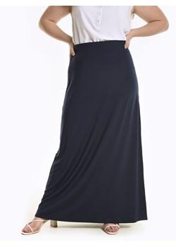 Długie spódnice 3 stylizacje na różne okazje Trendy w