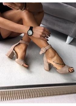 Sandały damskie calzado, wiosna 2020 w Domodi