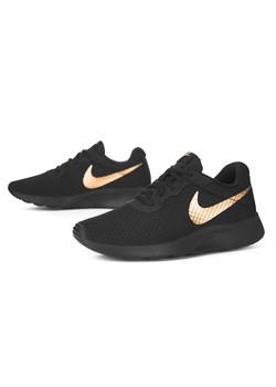 Czarne Buty Sportowe Damskie Nike Wiosna 2021 W Domodi