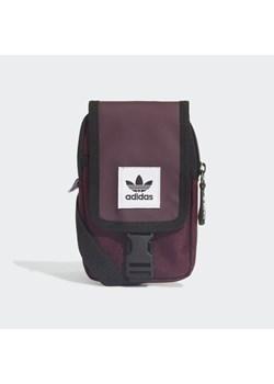 Czerwone plecaki adidas męskie, lato 2020 w Domodi