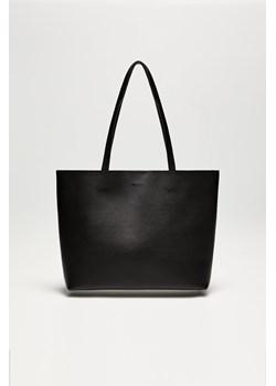 Czarne torebki damskie, lato 2020 w Domodi