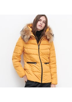 Żółte kurtki damskie reserved, jesień 2020 w Domodi