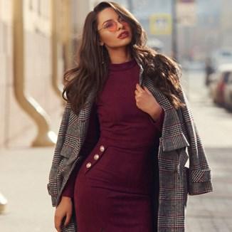 Bordowa Sukienka Dodatki Modne Kolekcje 2021 W Domodi