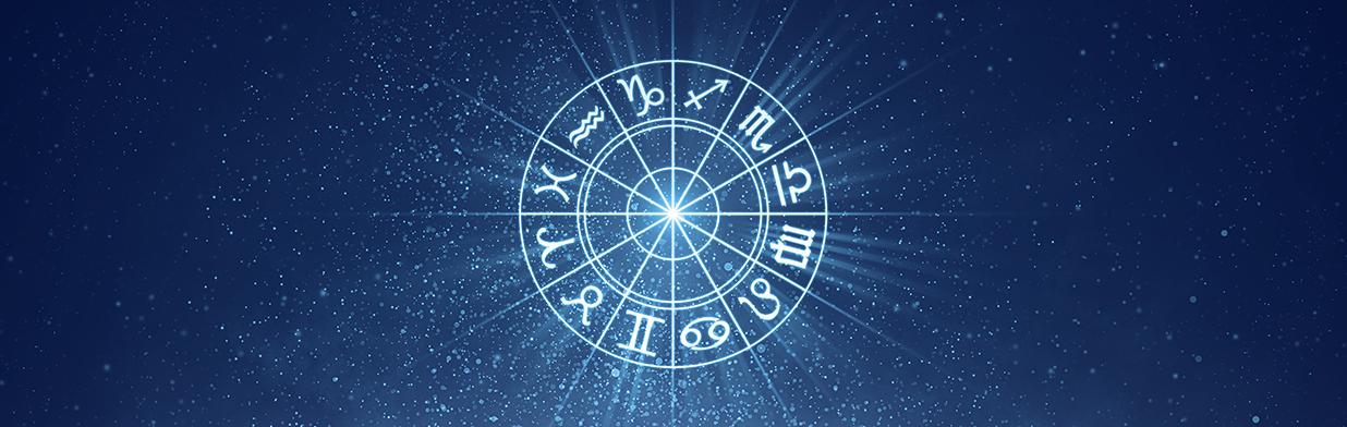 Horoskop na grudzień 2020 - dowiedz się, co czeka Cię w miłości, finansach i w modzie!