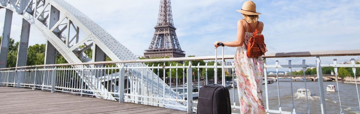 Jak spakować wakacyjną walizkę, żeby być gotową na każdą okazję?