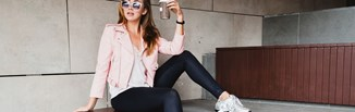 Legginsy - stylizacje zgodne z najnowszymi trendami. Jak nosić legginsy i wyglądać modnie?
