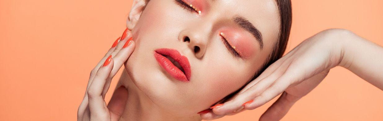 Najgorętsze trendy w makijażu na lato 2019