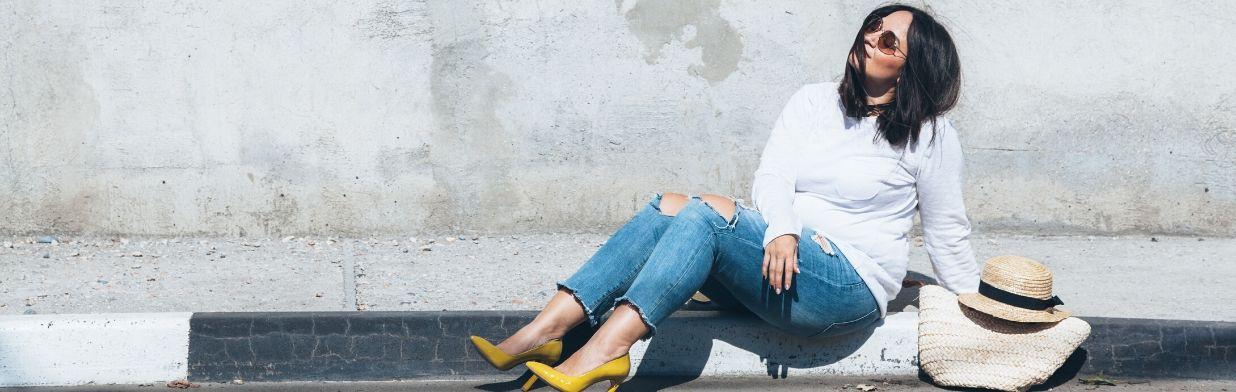 Stylizacje dla puszystych kobiet – bądź modna w większym rozmiarze!