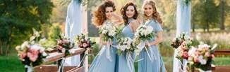 Sukienka maxi na wesele 2021 – zobacz modne kreacje na ten sezon!