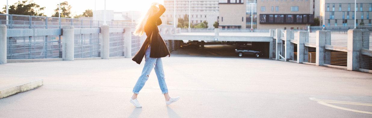 ad2309092e22a To te sneakersy będą rządzić wiosną! - Trendy w modzie w Domodi