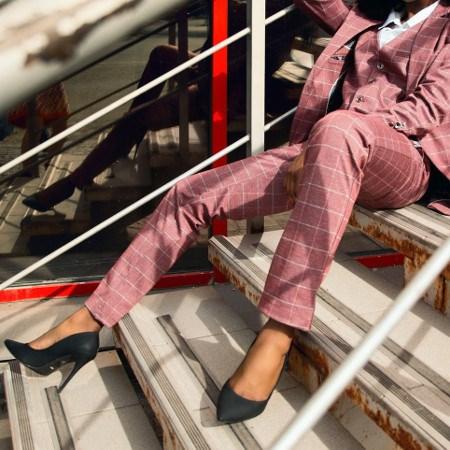 376e8af7f1 Garnitur damski - jak nosić  - Trendy w modzie w Domodi