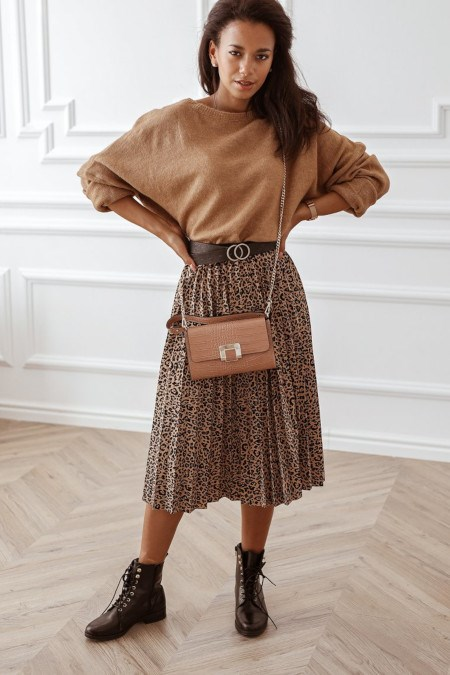 Stylizacje Z Plisowana Spodnica Zobacz Propozycje Zestawow Na Kazda Okazje Trendy W Modzie W Domodi