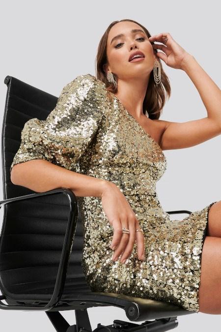 Dodatki Do Cekinowej Sukienki Jakie Buty Torebki I Inne Akcesoria Pasuja Do Blyszczacej Stylizacji Trendy W Modzie W Domodi