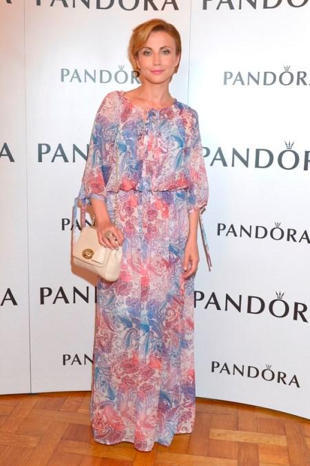 9e8bb09371 Katarzyna Zielińska w długiej sukience we florystyczny wzór. Sukienka